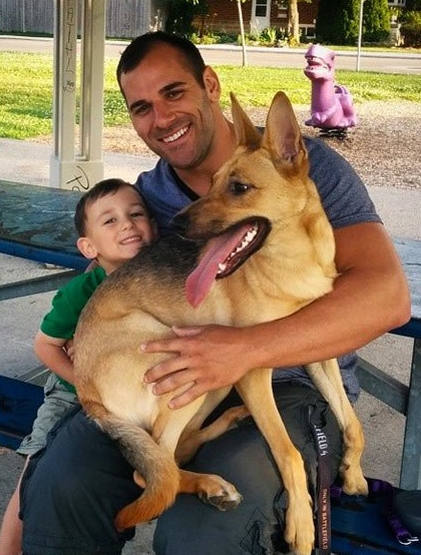 nathan-cirillo-with-son-marcus-dog-kiya-july-15-2014-lead